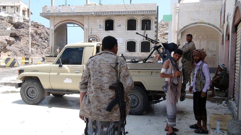 مقتل 53 شخصا بينهم 17 مدنيا في المعارك الأخيرة في عدن