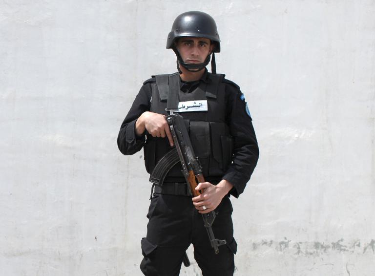 الشرطة الفلسطينية تبدأ العمل بشكل رسمي في ثلاث بلدات قريبة من القدس