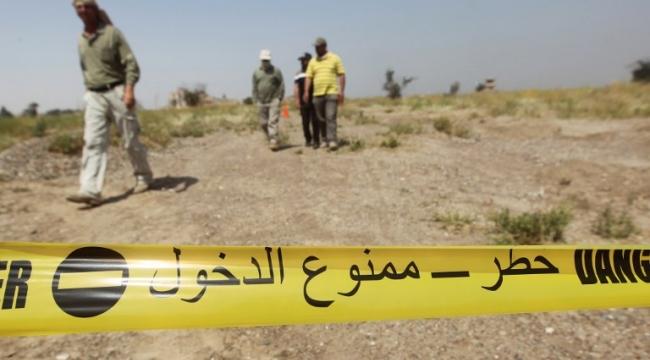 تكريت: جنود يكشفون عن المتفجرات أثناء بحثهم عن رفات رفاقهم