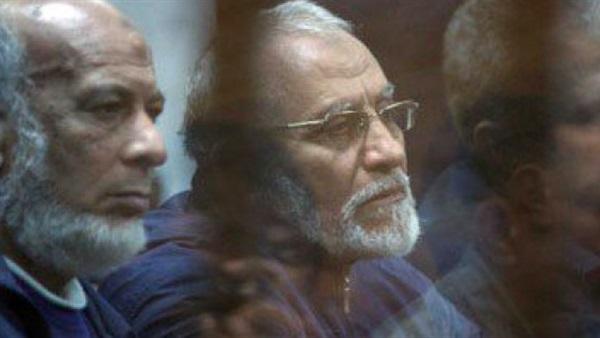 مصر: الحكم بالإعدام على بديع و13 آخرين