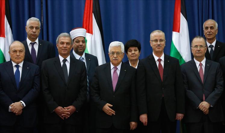 حكومة الوفاق الفلسطينية تناقش إجراء توسيع وتعديل وزاري
