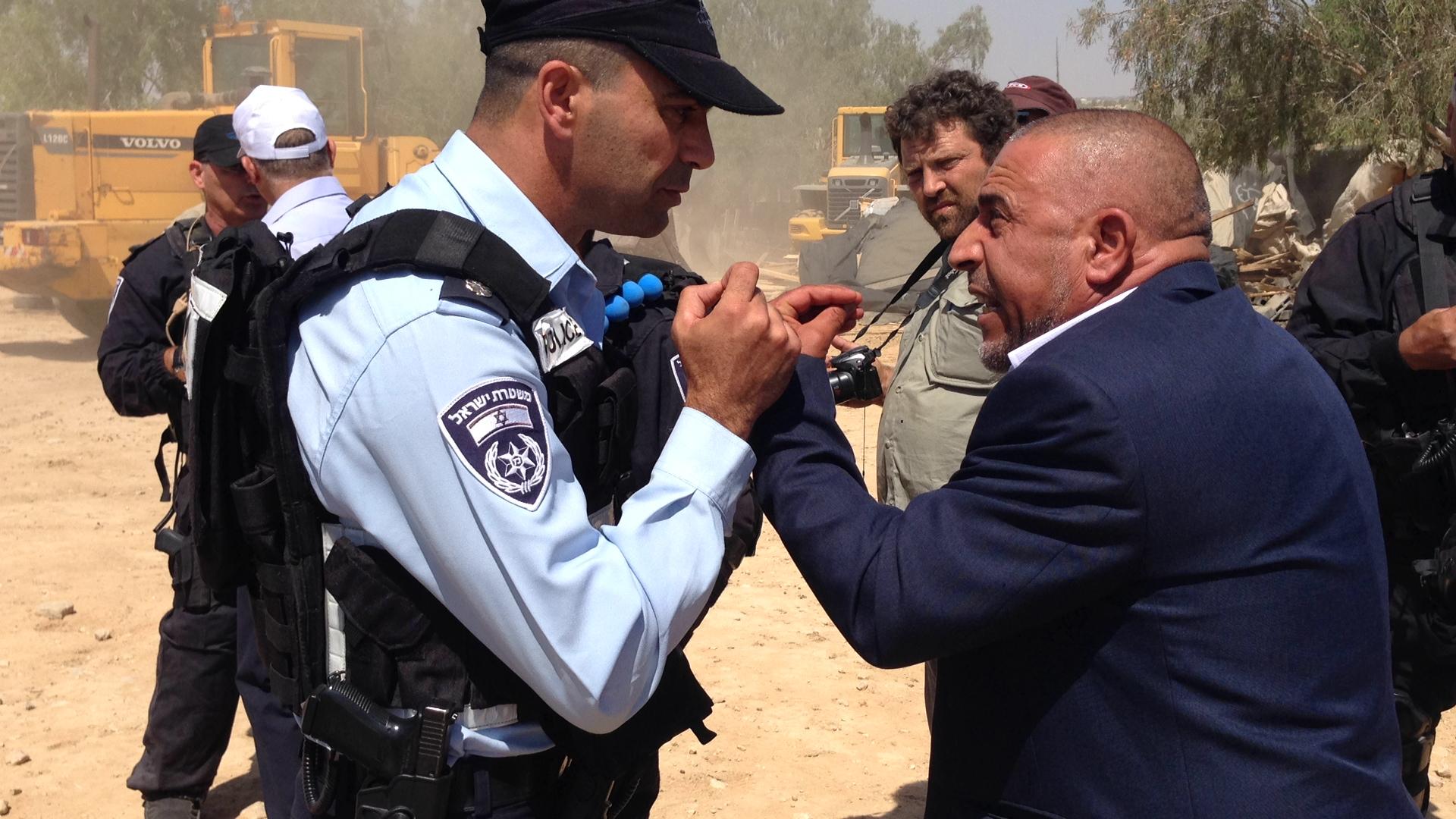 أبو عرار: آلاف المنازل اليهودية غير المرخصة ولا نرى أية عمليات هدم