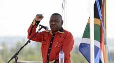 إسرائيل تمنع وزيرًا جنوب أفريقي من زيارة الضفة الغربية