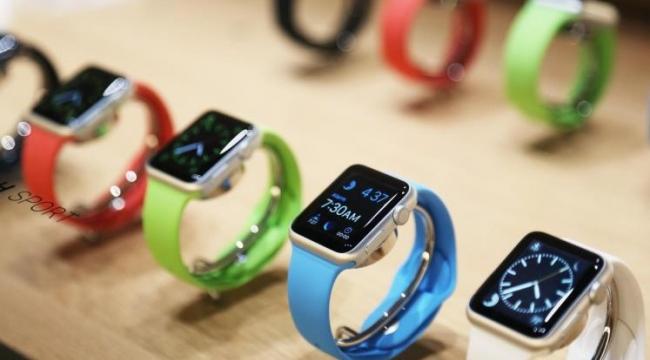 عيوب تقنية تؤخر تسليم ساعة آبل للمشترين