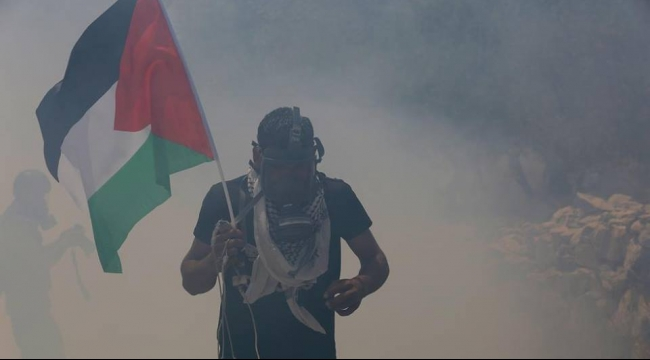 إصابة العشرات جراء قمع الاحتلال لمسيرة بلعين الأسبوعية