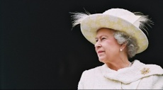 """مراسم """"استعراض الألوان"""" في عيد الميلاد الرسمي للملكة إليزابيث"""