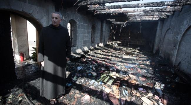 الرد على إحراق كنيسة الطابغة بين الوطني والطائفي