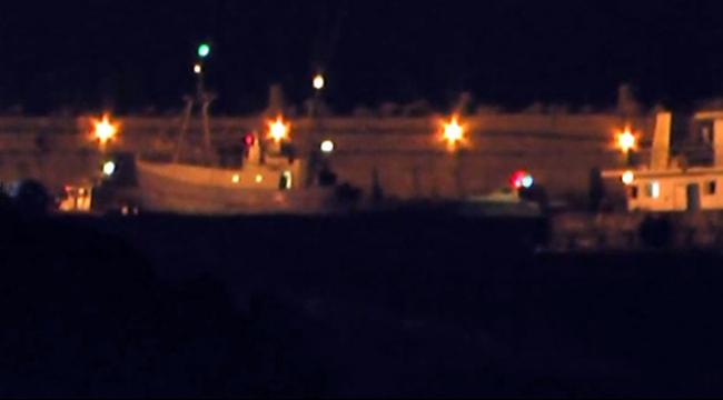 شاهد: الكوماندوس البحري يضرب الناشطين بالصواعق الكهربائيّة