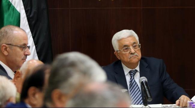 عباس يكلف رئيس الوزراء الفلسطيني إجراء تعديلات على حكومته