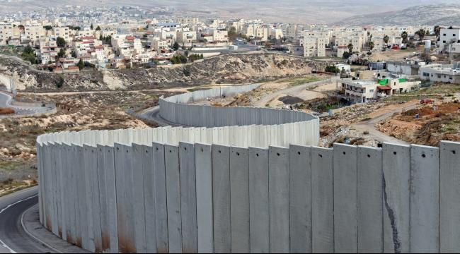 إسرائيل تتهرب من تزويد المياه للمقدسيين خلف الجدار