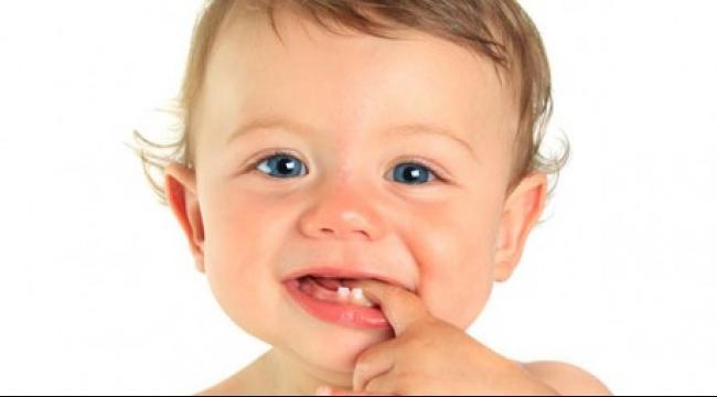نصائح للحفاظ على سلامة أسنان طفلك
