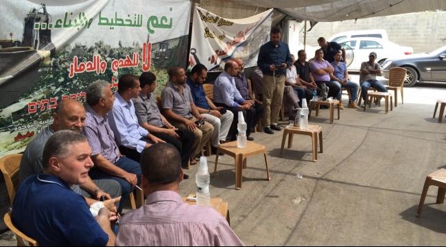 المتابعة تلتئم في دهمش ودعوات لحماية دولية للمجتمع العربي