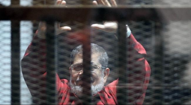 مرسي يلمح لمحاولات اغتياله في السجن