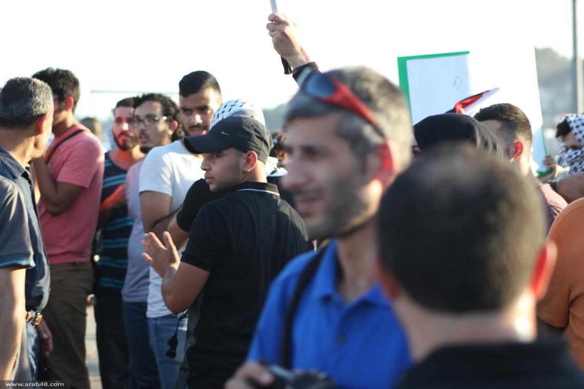 المئات في المظاهرة القطرية على مفرق عارة- عرعرة لنصرة الأسير علان