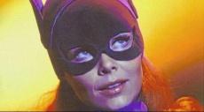 وفاة بطلة باتمان إيفون كريج عن 78 عامًا
