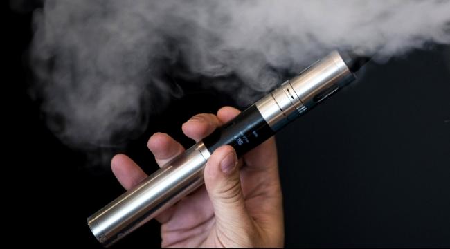 دراسة: السجائر الإلكترونية أقل ضررا من التبغ بنسبة 95 بالمئة