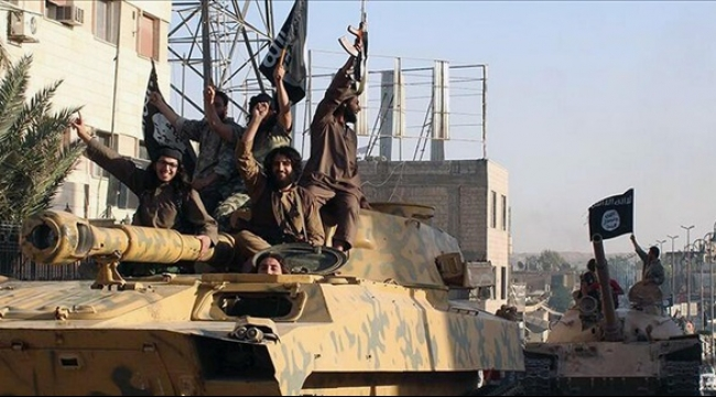 """سوريا: """"داعش"""" يهدم ديرا وينقل مخطوفين مسيحيين"""
