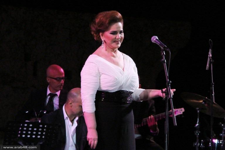 بعد انقطاع لسنوات: الحنّاوي تعود للغناء في مهرجانات بعلبك