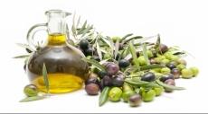 زيت الزيتون يخفض الكولسترول والسكر بالدم