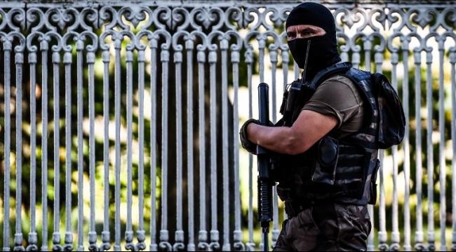 مقتل جندي تركي وإصابة أربعة آخرون في هجوم على موقع أمني
