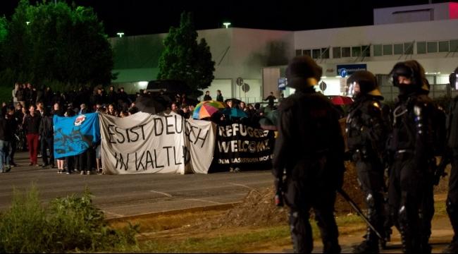 """وتيرة العنف ضد اللاجئين في ألمانيا """"غير مسبوقة"""""""