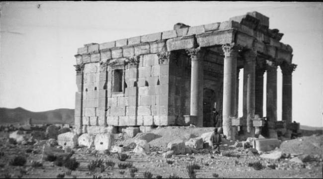 """سوريا: """"داعش"""" يدمر معبدا شهيرا في تدمر"""