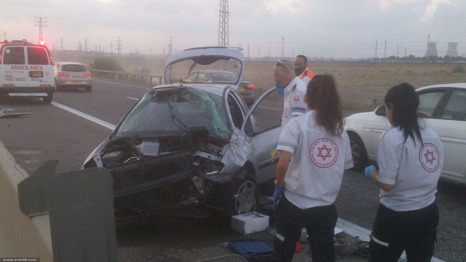 حيفا: اختناق مروري إثر انقلاب سيارة عند مدخل المدينة