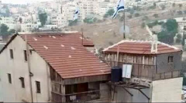 سلوان: عشرات المستوطنين يقتحمون مبنى يضم 12 شقة