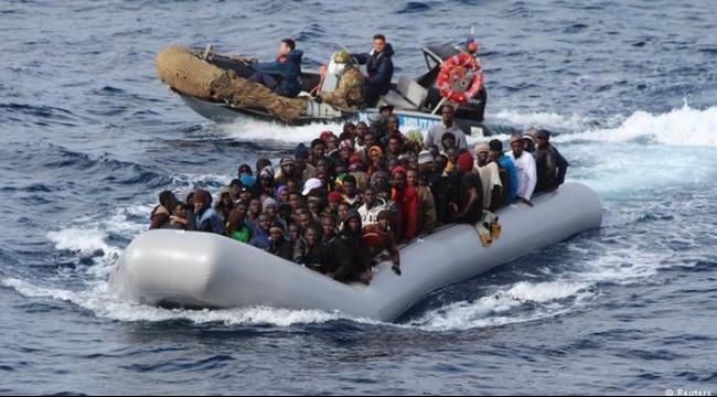 30 قتيلا في غرق مركب لمهاجرين قبالة سواحل ليبيا