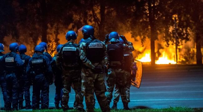 """اعتقال صحفيين فرنسيين بتهمة """"ابتزاز ملك المغرب"""""""