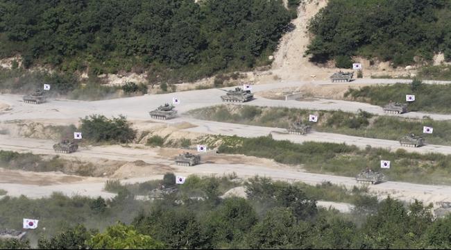 الكوريتان تخففان حالة التأهب على الحدود بينهما