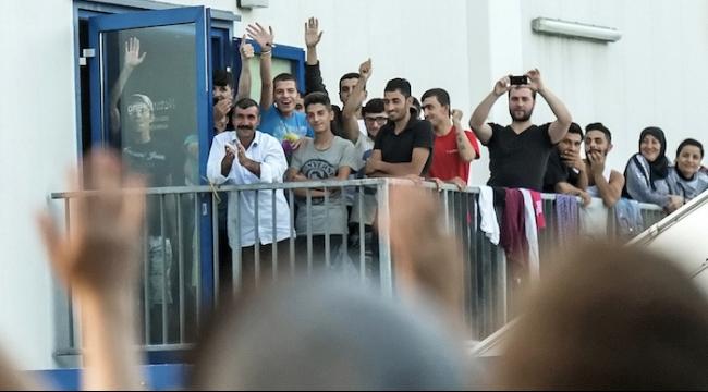 """تعبئة في ألمانيا من أجل اللاجئين خشية """"الصورة القاتمة"""""""