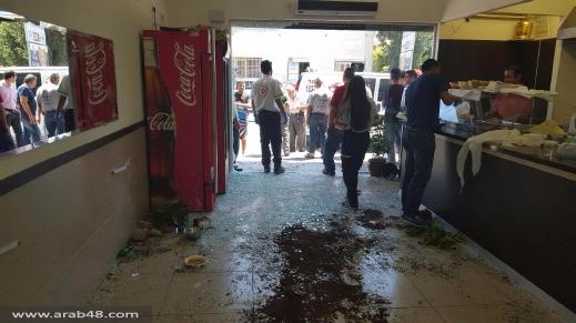 """شفاعمرو: إصابتان بـ""""اقتحام"""" سيارة لمطعم!"""