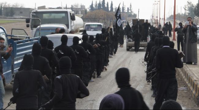 """""""داعش"""" أحرق أربعة عناصر من الحشد الشعبي بالعراق"""