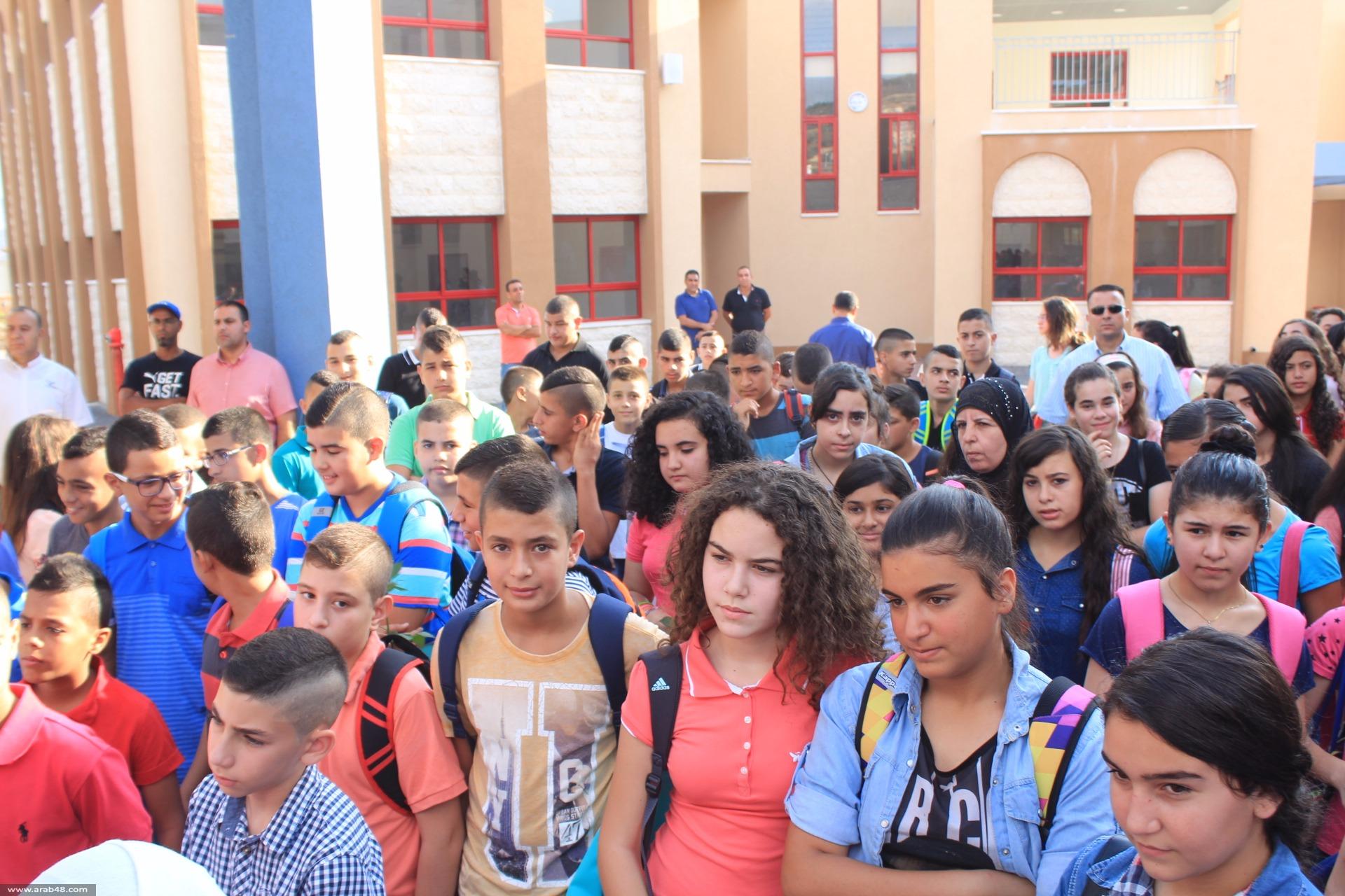 مدارس سخنين والبطوف تفتتح العام الدراسي بانتظام