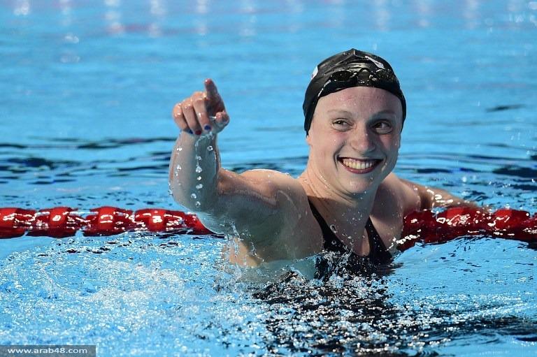 الأمريكية كايتي ليديكي تحقق أرقاماً قياسية في السباحة