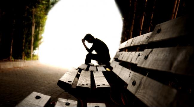 دراسة: المتهورون أكثر عرضة للانتحار