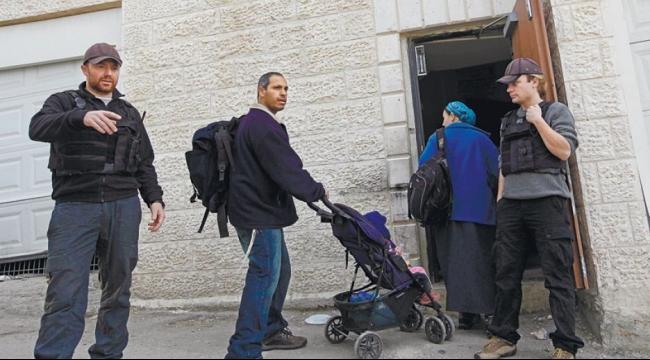 سلوان: مستوطنون يستولون على منزل والاحتلال يعتقل سيدة وشابين