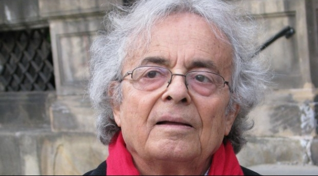 أدباء وكتّاب يرفضون منح أدونيس جائزة سلام ألمانية