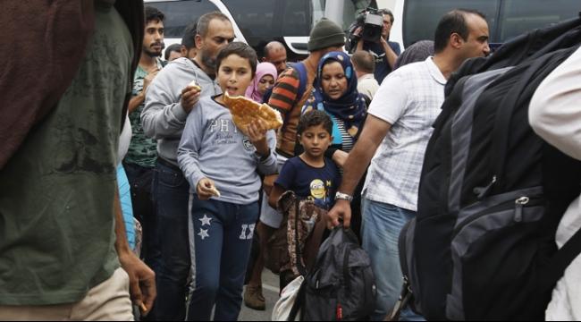 ضريبة كلامية: هرتسوغ يدعو الحكومة إلى استيعاب لاجئين سوريين