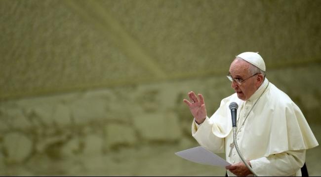 قداسة البابا فرنسيس يدعو كافة الأسقفة لاستقبال اللاجئين
