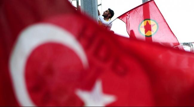 مقتل قرابة 15 جنديًا تركيًا في هجوم للعمال الكردستاني