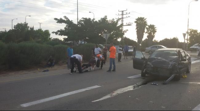 النقب: 5 إصابات بحادث سير قرب رهط