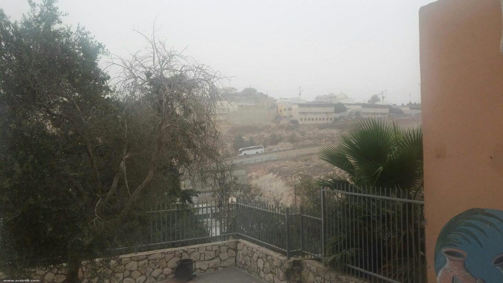 بالصور: العاصفة الرملية تضرب أم الفحم ووادي عارة