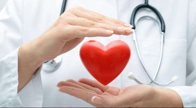 باحثون: تقنية استبدال صمامات القلب آمنة حتى في التسعين