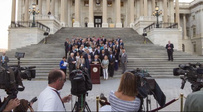 أوباما يحشد 42 صوتا في مجلس الشيوخ دعما للاتفاق النووي