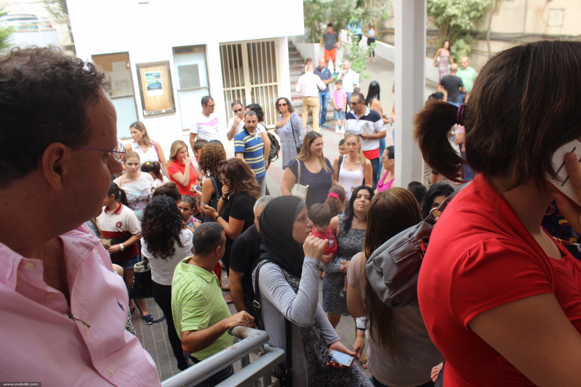 الناصرة: المئات يتوافدون للبلديّة لتسجيل أبنائهم بالمدارس الرسمية