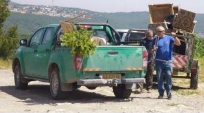 مداهمة إقرث ومصادرة أغراض لشباب العودة