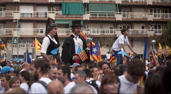 1.4 مليون متظاهر ببرشلونة لدعم انفصال كتالونيا