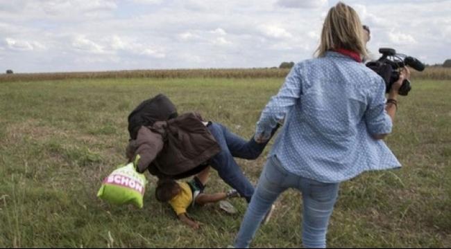 توقف موقع القناة التلفزيونيّة بعد ركل المصوّرة للمهاجرين